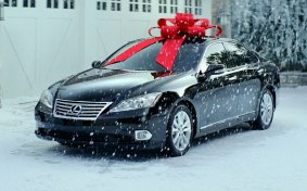 lexus-es-350-red-bow